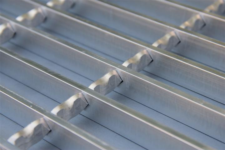 swage-locked-aluminum-grating